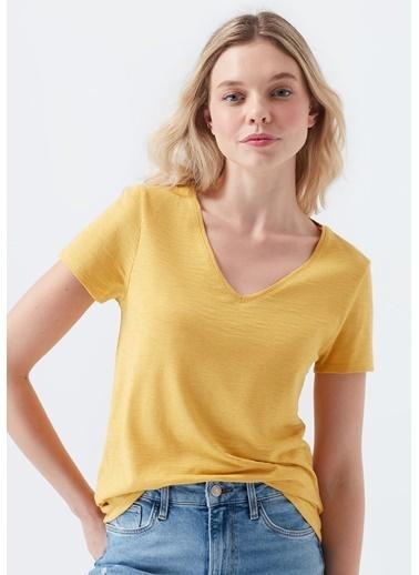 Mavi Kadın  V Yaka Basic Tişört 168260-32456 Sarı